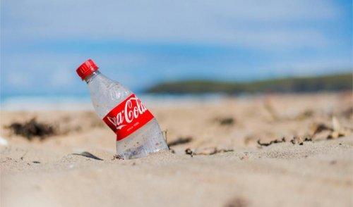 Coca-Cola використовуватиме пляшки з переробленого пластику
