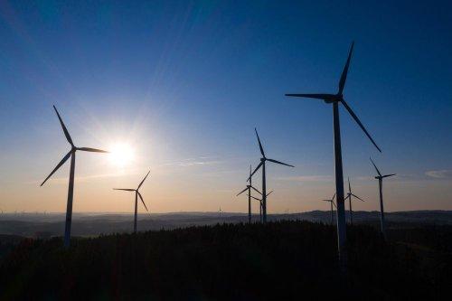 В Техасе из-за аномальных холодов замерзла половина ветряных турбин