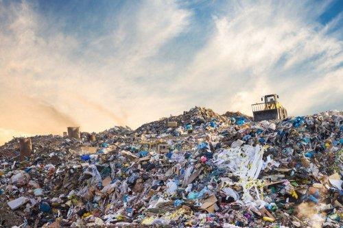 Україна опинилася на межі сміттєвого колапсу через захоронення 95% відходів