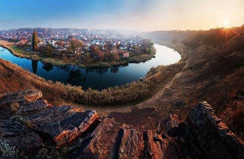 В Кривом Роге начали очищать русло загрязненного шахтными водами Ингульца
