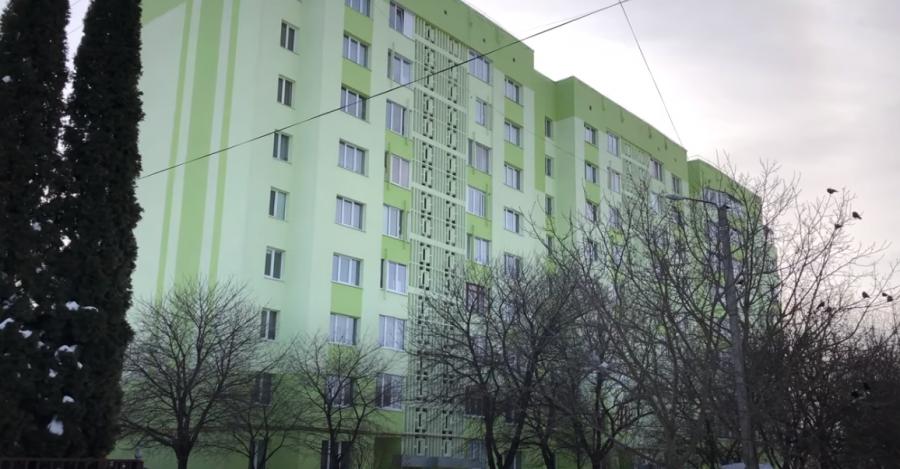 """Як у Рівному мешканці """"перетворили"""" 20-річний будинок на новобудову. Відео"""