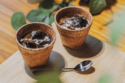 В Японії випустили їстівні чашки. Фотофакт
