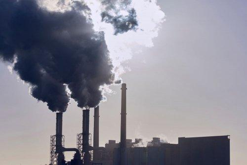 """Законопроєкт """"Про промзабруднення"""" становить загрозу для нацбезпеки України – РНБО"""
