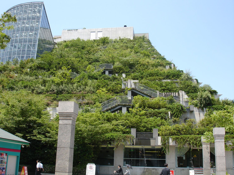 Здание международного выставочного центра в Фукуока, Япония