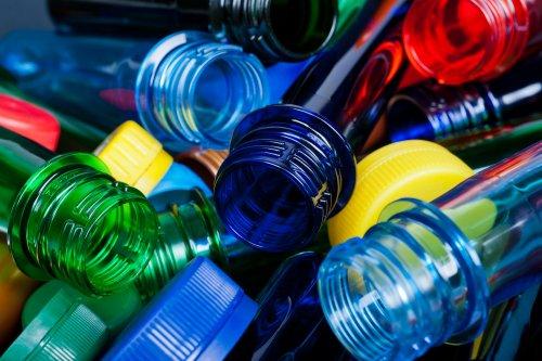 УБС закликала здавати пляшки на сортування і оголосила конкурс