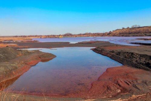 В Запорожской области в шахтах режут металлоконструкции: это грозит экологическим бедствием
