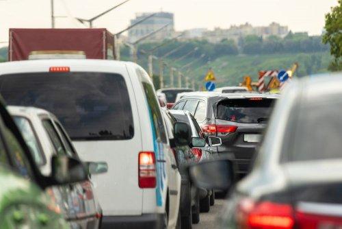 Однією з головних причин забруднення повітря в Україні є автотранспорт, — експерти