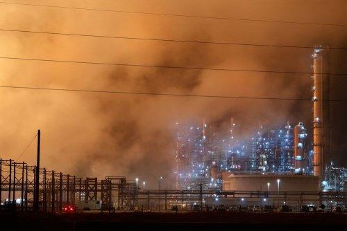Місто на Київщині оповив густий отруйний смог