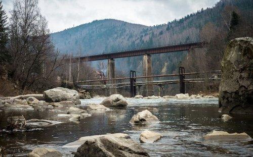 Украину накрыли снег и дождь: из-за осадков резко поднимется вода в реках
