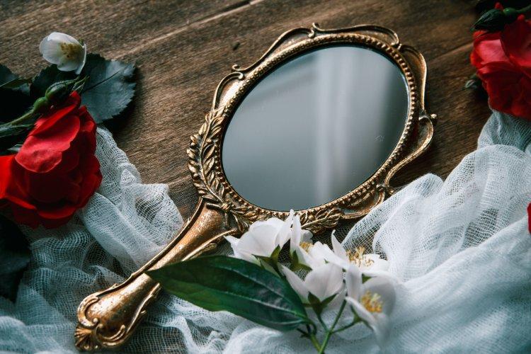 Что ни в коем случае нельзя делать с зеркалами