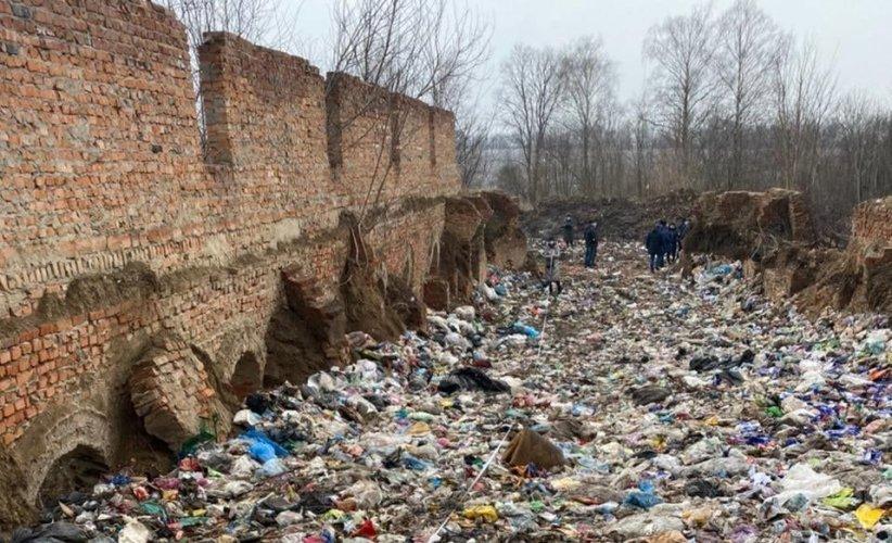 В Житомире в очередной раз обратились к властям Львова из-за незаконного вывоза мусора