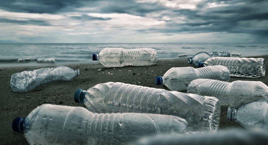 """На станції """"Академік Вернадський"""" арктичний пластик перетворять у сувеніри для туристів"""