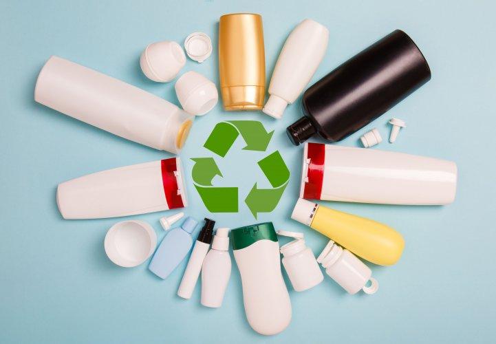 Українцям розповіли, з якими видами пластику вони зустрічаються щодня