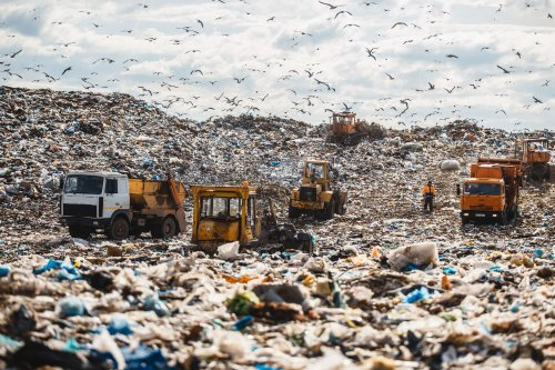 Как в Болгарии очищают старый полигон бытовых отходов: появилось фото