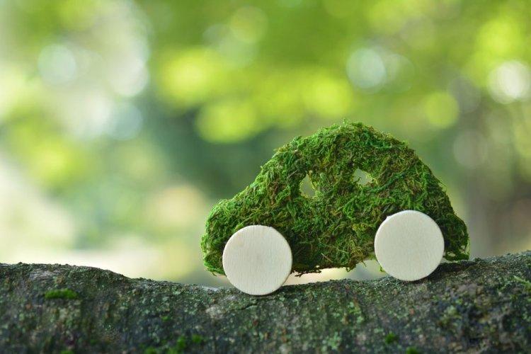 Volvo разработал эко-заменитель кожи из пластика и мусора для новых электрокаров