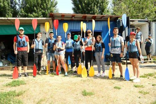 У Дніпрі студенти очистили острів від сміття. Фото, відео