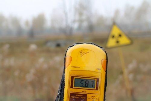 Эксперты из Украины и Германии измеряют уровень радиации в Чернобыльской зоне