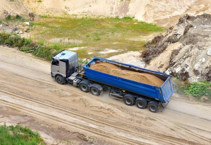 История с дерибаном песка на Житомирщине получила продолжение