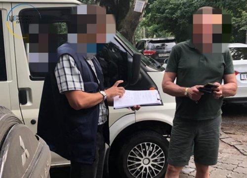 В Херсоне чиновник нацпарка, которому выдвинули подозрение, убегал от правоохранителей. Видео