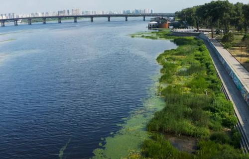 Дніпро — уже не річка, а озеро: головну водну артерію України показали з дрона