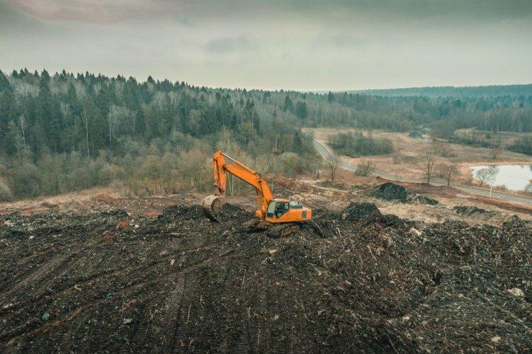 На Київщині комунальне підприємство проштрафилося на 800 тис. грн за порушення на сміттєзвалищі