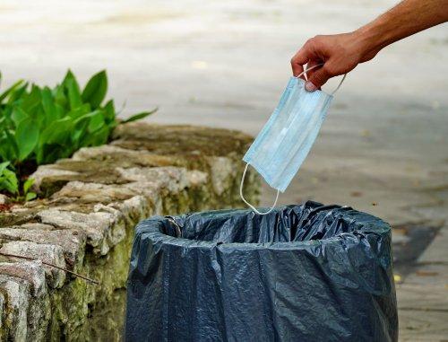 Через пандемію COVID-19 зросло споживання пластику: що з цим робити