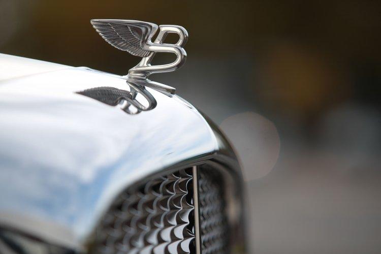 Bentley планирует достичь углеродной нейтральности с помощью виски