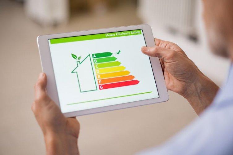 Более 63 тысяч семей присоединились к программе по энергомодернизации многоэтажек. Инфографика