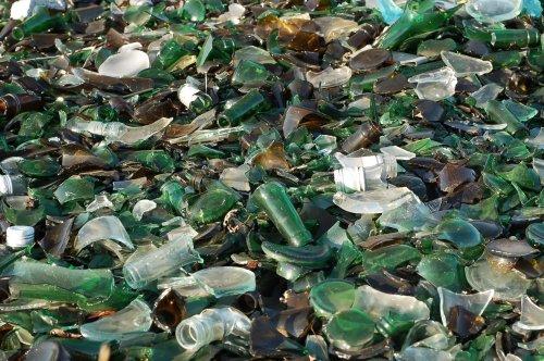 Украинцам рассказали об утилизации стекла: где и как сдать стеклянные отходы