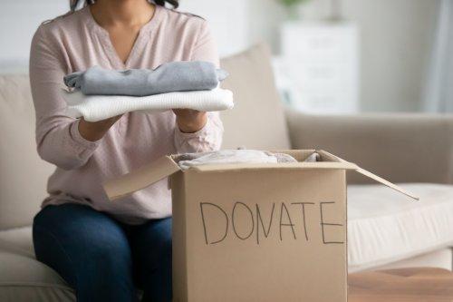 Куда закарпатцам сдать ненужные вещи: адреса и контакты