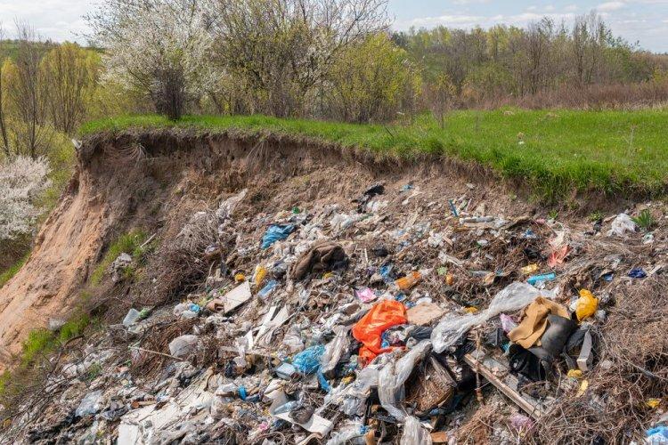 На Грибовицькому сміттєзвалищі триває технічна рекультивація. Відео