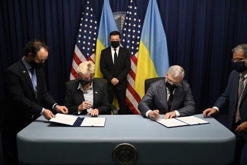 Украина и США договорились об усилении сотрудничества в сфере энергетики и климата