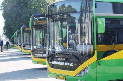 На маршруты Винницы вышли 10 новых экологических автобусов Otocar