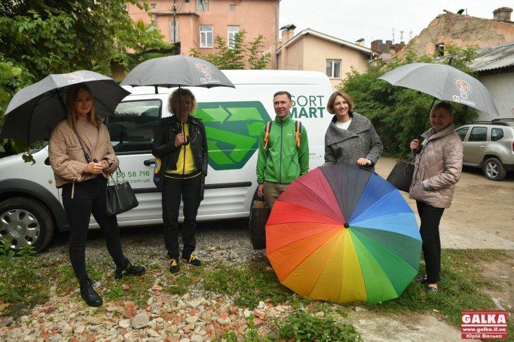 Франківські екоактивісти відкрили першу в місті сортувальну станцію. Фото та відео