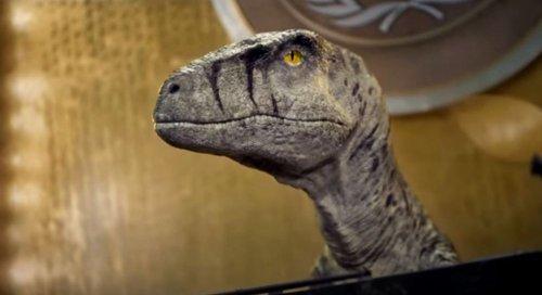 Динозавр предупредил человечество о вымирании с трибуны ООН. Видео
